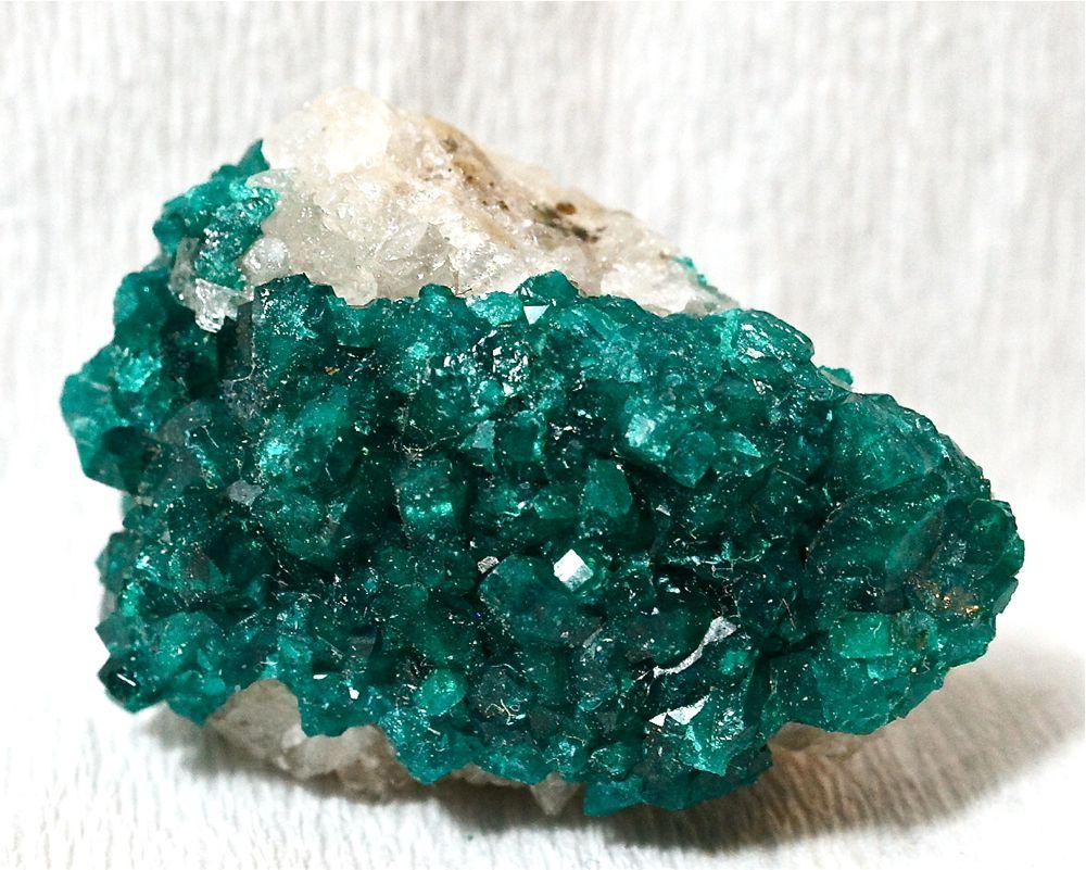 Камни и кристаллы купить